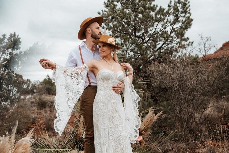 Jaci28-Berkopec-Bohemian-Chic-Vibes-Destination-Elopement-Intimate-Wedding-Photographer-Sedona-Arizona-Adventure