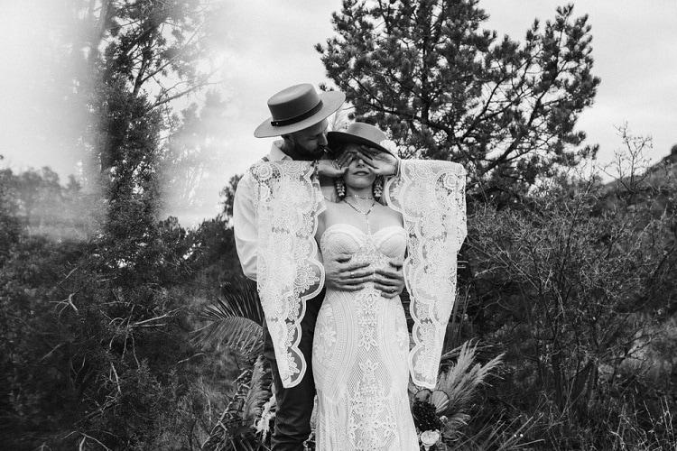 Jaci29-Berkopec-Bohemian-Chic-Vibes-Destination-Elopement-Intimate-Wedding-Photographer-Sedona-Arizona-Adventure