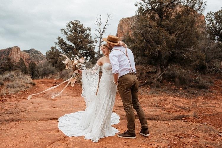 Jaci3-Berkopec-Bohemian-Chic-Vibes-Destination-Elopement-Intimate-Wedding-Photographer-Sedona-Arizona-Adventure