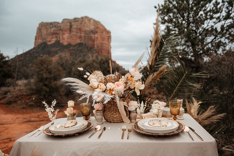 Jaci33-Berkopec-Bohemian-Chic-Vibes-Destination-Elopement-Intimate-Wedding-Photographer-Sedona-Arizona-Adventure