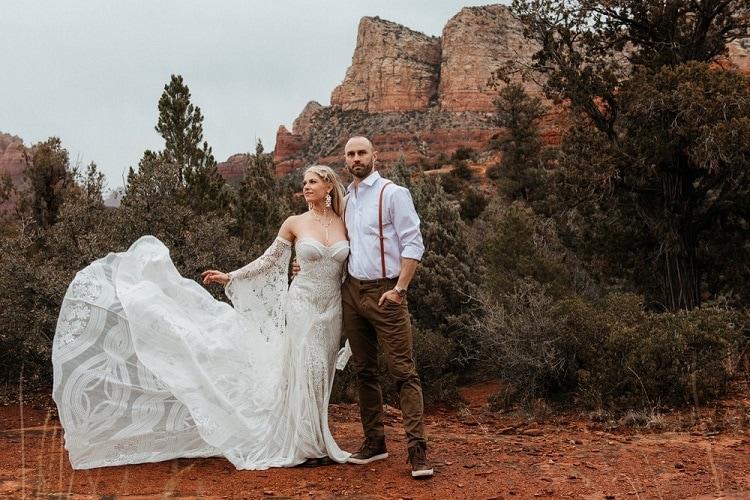 Jaci35-Berkopec-Bohemian-Chic-Vibes-Destination-Elopement-Intimate-Wedding-Photographer-Sedona-Arizona-Adventure