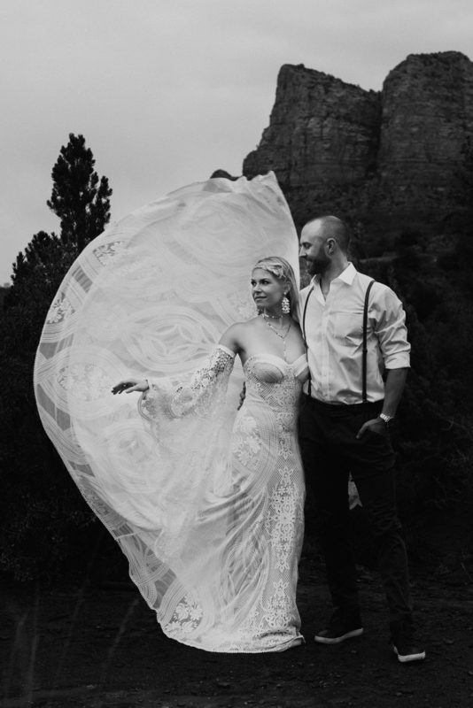 Jaci36-Berkopec-Bohemian-Chic-Vibes-Destination-Elopement-Intimate-Wedding-Photographer-Sedona-Arizona-Adventure
