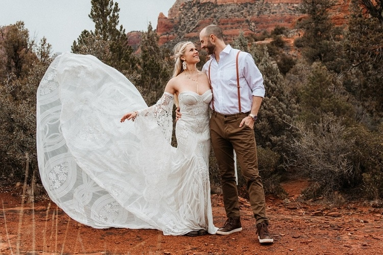 Jaci37-Berkopec-Bohemian-Chic-Vibes-Destination-Elopement-Intimate-Wedding-Photographer-Sedona-Arizona-Adventure