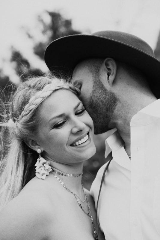 Jaci4-Berkopec-Bohemian-Chic-Vibes-Destination-Elopement-Intimate-Wedding-Photographer-Sedona-Arizona-Adventure
