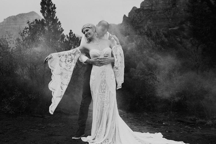 Jaci52-Berkopec-Bohemian-Chic-Vibes-Destination-Elopement-Intimate-Wedding-Photographer-Sedona-Arizona-Adventure