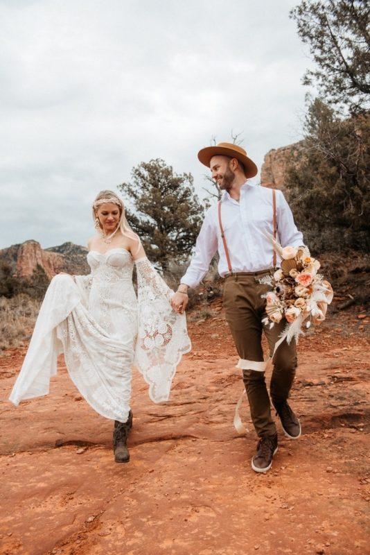 Jaci6-Berkopec-Bohemian-Chic-Vibes-Destination-Elopement-Intimate-Wedding-Photographer-Sedona-Arizona-Adventure
