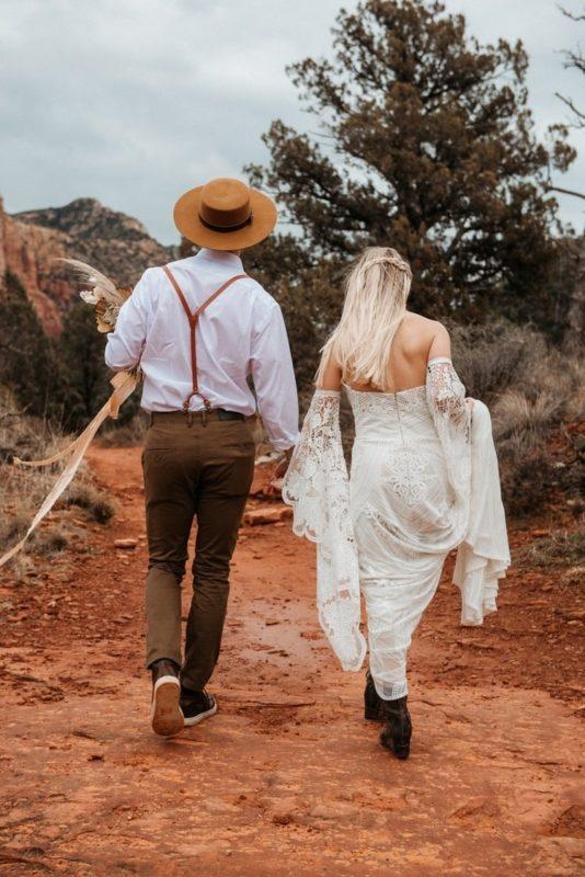 Jaci9-Berkopec-Bohemian-Chic-Vibes-Destination-Elopement-Intimate-Wedding-Photographer-Sedona-Arizona-Adventure