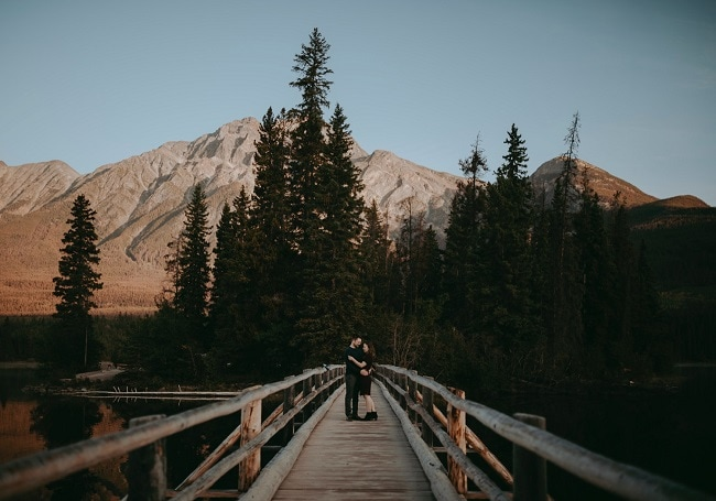 Pyramid-Lake-jasper-national-park-elope-alberta-Sunrise-Engagement-Allie-Knulls-Edmonton-Wedding-Photographer-Destination-Elopement-Adventure