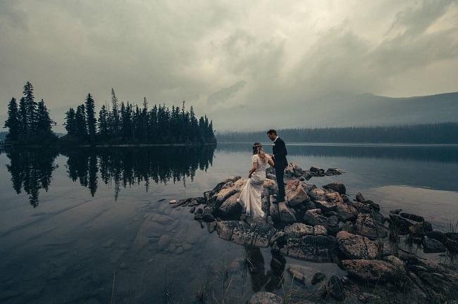 Pyramid-Lake-resort-jasper-Wedding-Photographer-Destination-Elopement-Adventure-BDFK-mountain