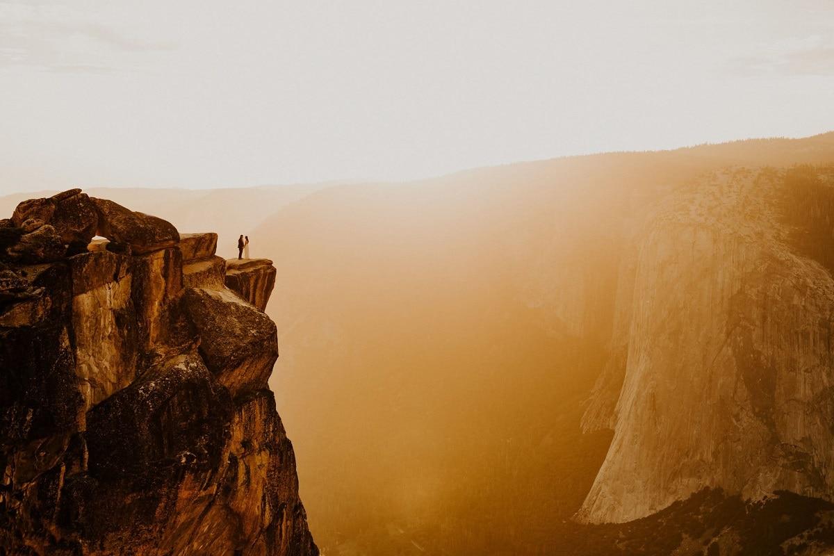allison-slater-destination-elopement-adventure-wedding-photographer-arizona-usa-mountain