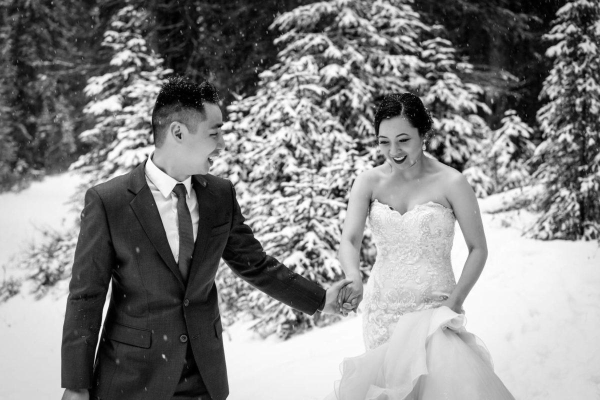 bdfk28-photography-banff-alberta-elopement-wedding-canada-adventure-elope-mountain-winter-snow-lake-minnewanka