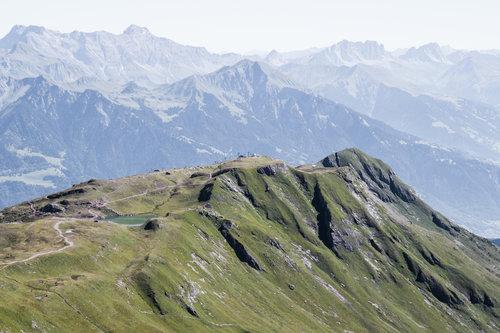 best-places-elope-in-switzerland-elopement-wedding-planner-coordinator-destination-intimate-small-adventure-mountain-glarus-st-gallen-isabel-nao-photographer