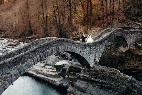 best-places-elope-in-switzerland-elopement-wedding-planner-coordinator-destination-intimate-small-adventure-mountain-ticino-nao-photographer