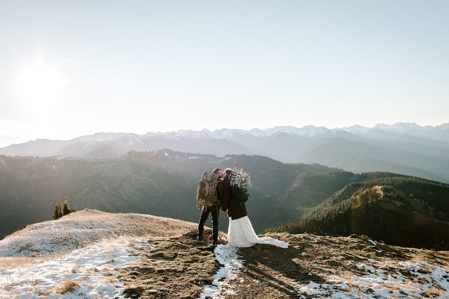 best-places-to-elope-in-washington-courtney-lynn-olympic-national-park-winter-elopement-outdoor-mountain-adventure-destination-wedding