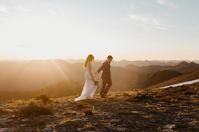 best-places-to-elope-washington-more-van-anything-mount-rainier-forest-elopement-outdoor-mountain-adventure-destination-wedding