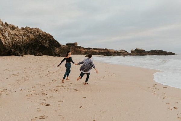 big-sur-california-coast-elopement-session-engagement-destination-micro-wedding-packages-elope-usa-intimate-beach-ceremony-sea