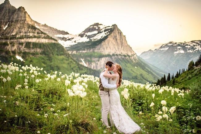 carrie-ann-montana-destination-elope-intimate-mountain-adventure-Glacier-National-Park-elopement-wedding-photographer-big-bend-bear-grass