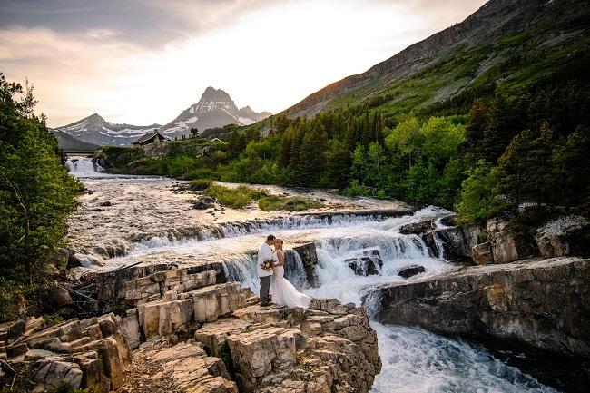 carrie-ann-montana-destination-elope-intimate-mountain-adventure-wild-Glacier-National-Park-elopement-wedding-photographer-many-swiftcurrent-lake-waterfalls
