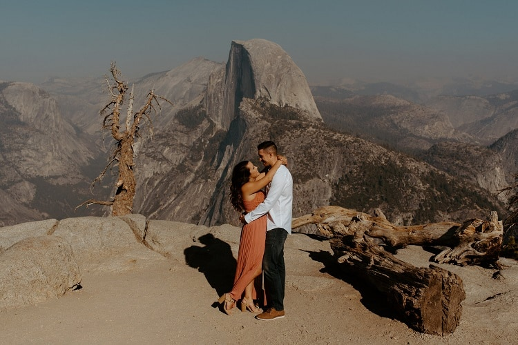 carrie-rogers-photography-yosemite-national-park-adventure-elopement-california-outdoor-intimate-destination-wedding-glacier-point-love