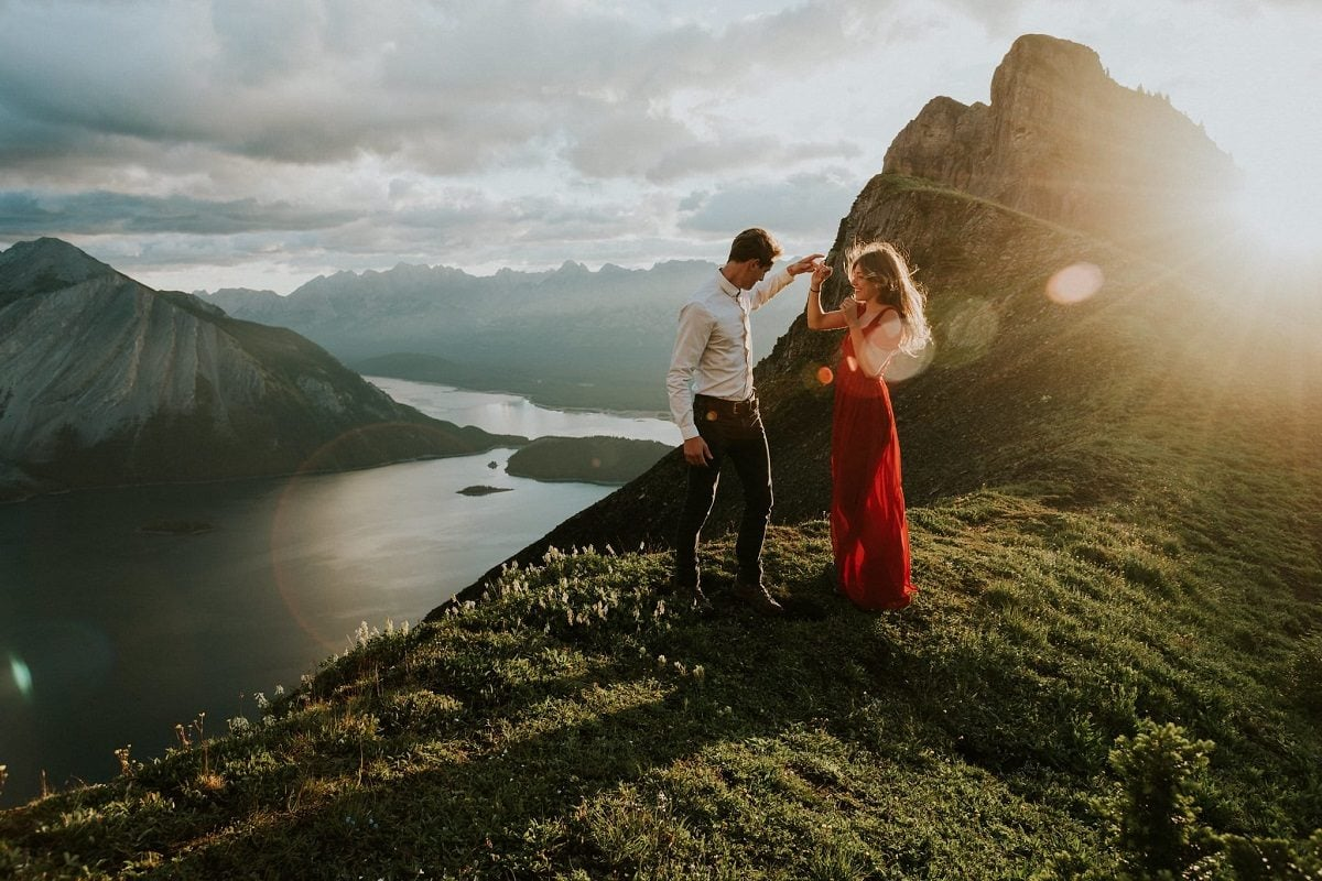 celestine-aerden-elopement-destination-wedding-photographer-alberta-canada-elope-mountain-adventure-HelenaVincent-Kananaskis-17