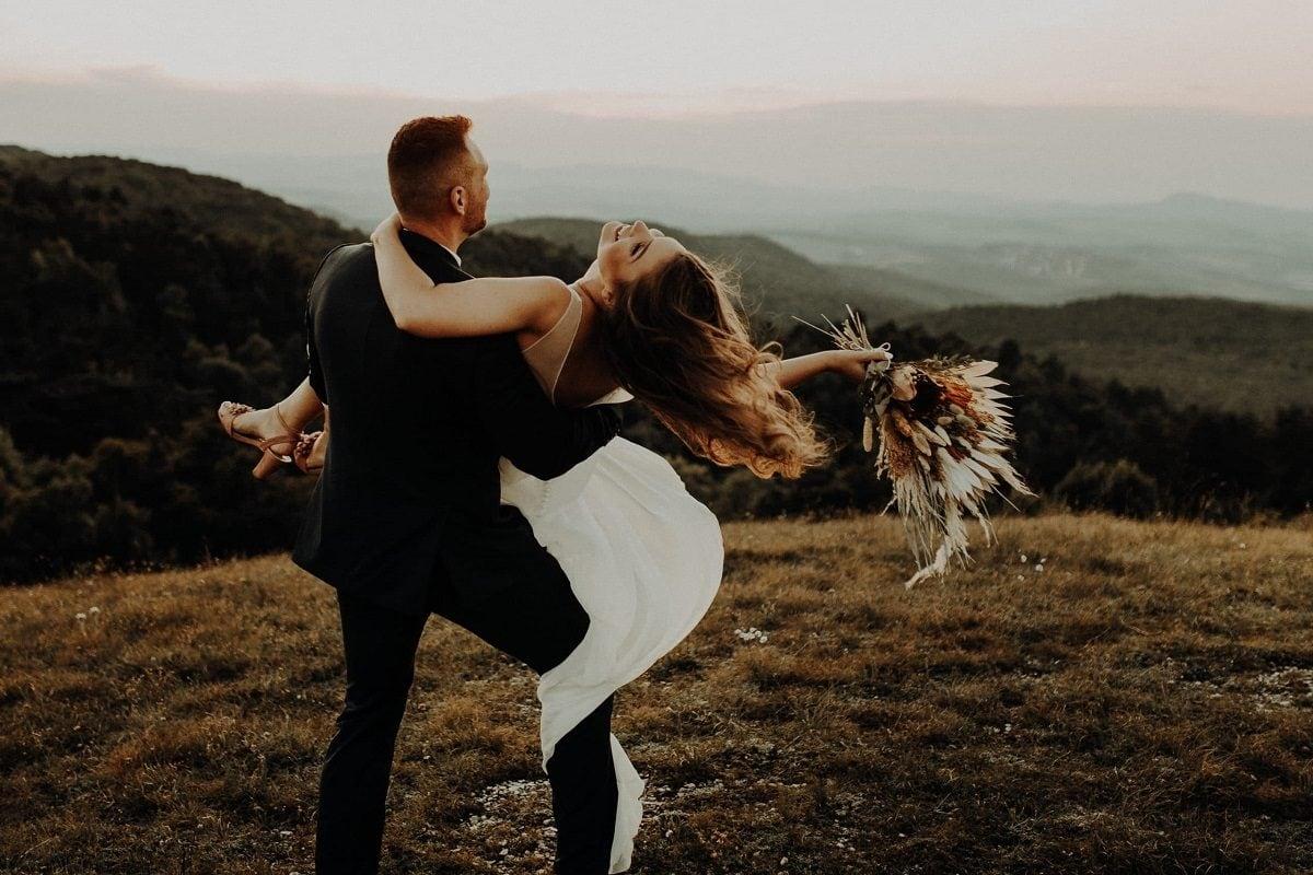 10-reasons-to-elope-austria-hungary-mountain-intimate-destination-wedding-elopement