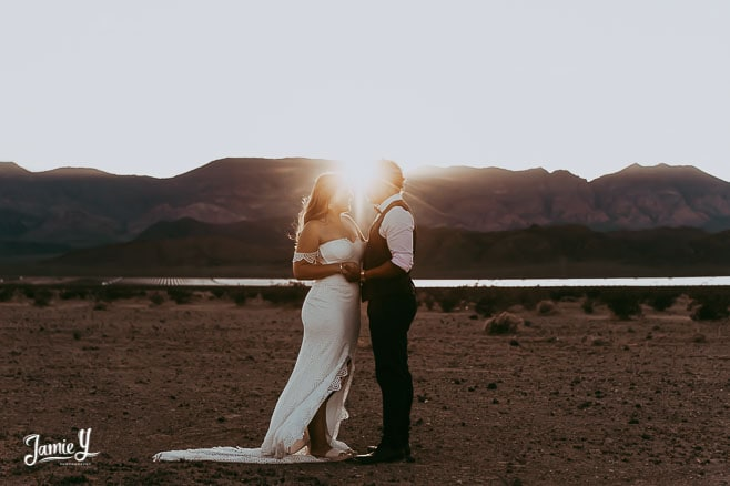 dry-lake-beds-jamie-y-las-vegas-elope-destination-wedding-photographer-elopement-usa-nevada-micro-packages-planner-nevada