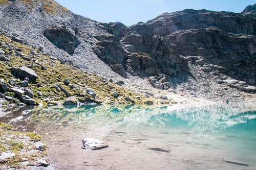 elope-in-switzerland-elopement-wedding-planner-coordinator-destination-intimate-small-adventure-mountain-glarus-st-gallen-isabel-nao-photographer