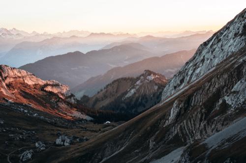 elope-in-switzerland-elopement-wedding-planner-coordinator-destination-intimate-small-adventure-mountain-lucerne-nao-photographer