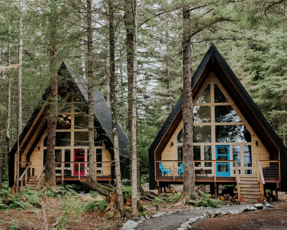 alaska_salted-roots-cabins-elopement-destination-wedding-a-frame-airbnb-lodge-adventure-outdoor-forest-woods