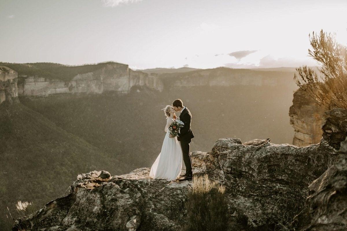 hayley-rafton-elopement-destination-wedding-photographer-adventure-mountain-sydney-australia-love-elope