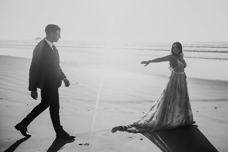 jaci2-berkopec-elopement-wedding-photographer-epic-sunset-golden-hour-oregon-manzanita-washington-maine-connecticut-new-jersey-york