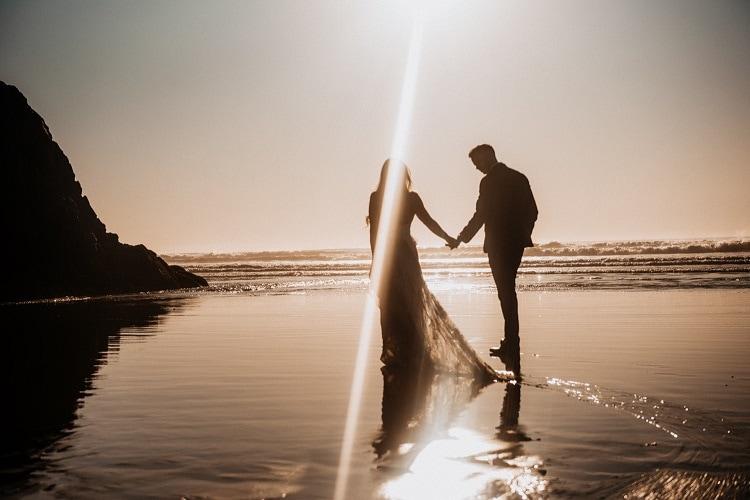 jaci33-berkopec-elopement-wedding-photographer-epic-sunset-golden-hour-oregon-manzanita-beach-sand-sea-coast-washington-pnw-maine-new-jersey-york