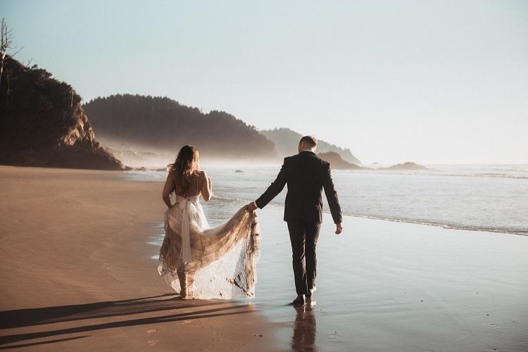 jaci36-berkopec-elopement-wedding-photographer-epic-sunset-golden-hour-oregon-manzanita-beach-sand-sea-coast-washington-pnw-maine-new-jersey-york
