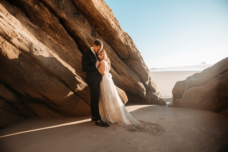 jaci37-berkopec-elopement-wedding-photographer-epic-sunset-golden-hour-oregon-manzanita-beach-sand-sea-coast-washington-pnw-maine-new-jersey-york