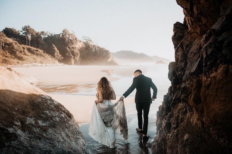 jaci39-berkopec-elopement-wedding-photographer-epic-sunset-golden-hour-oregon-manzanita-beach-sand-sea-coast-washington-pnw-maine-new-jersey-york