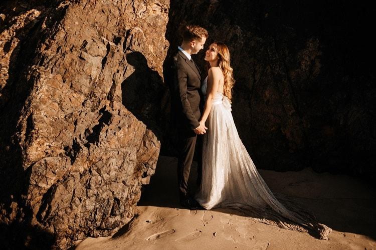 jaci43-berkopec-elopement-wedding-photographer-epic-sunset-golden-hour-oregon-manzanita-beach-sand-sea-coast-washington-pnw-maine-new-jersey-york