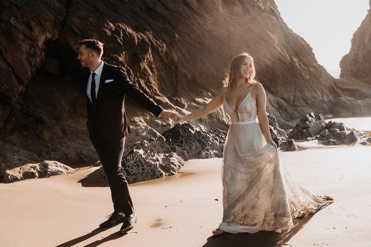 jaci47-berkopec-elopement-wedding-photographer-epic-sunset-golden-hour-oregon-manzanita-beach-sand-sea-coast-washington-pnw-maine-new-jersey-york