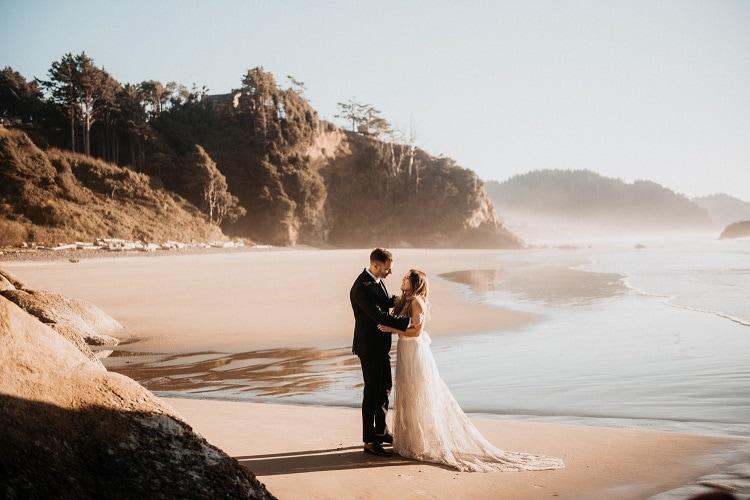 jaci6-berkopec-elopement-wedding-photographer-epic-sunset-golden-hour-oregon-manzanita-washington-maine-connecticut-new-jersey-york