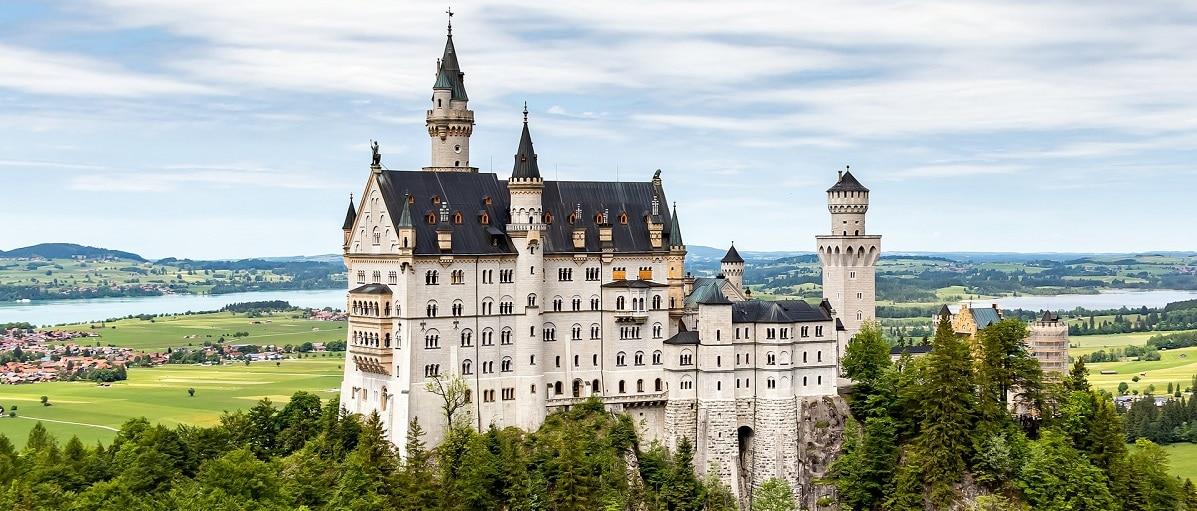 luis-fernando-felipe-alves-germany-elopement-destination-wedding-intimate-ceremony-Neuschwanstein-Castle-berlin-munich-hamburg-Top 10 Places To Elope in Europe