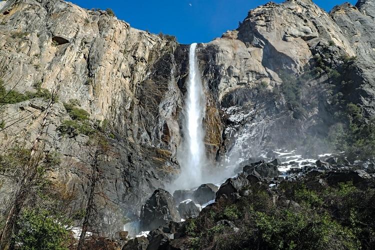 michael-diane-weidner-yosemite-bridalveil-falls-elopement-wedding-photography-california-elope-adventure-destination-intimate-ceremony