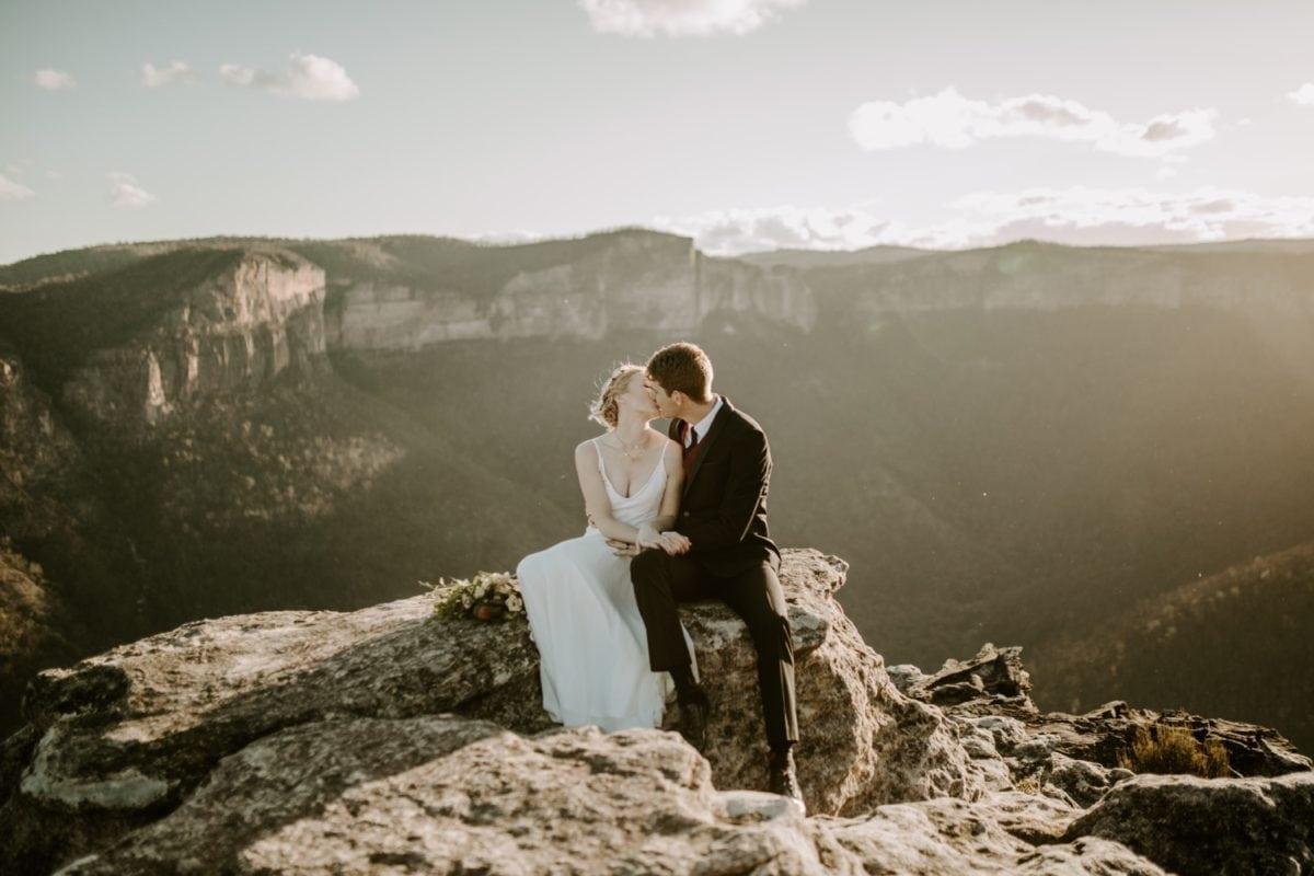 mt-wilson-blue-mountains-elopement-wedding-destination-packages-coronavirus-intimate-outdoor-autumn-fall-gardens-hayleyrafton-clifftop-elope-australia-sydney