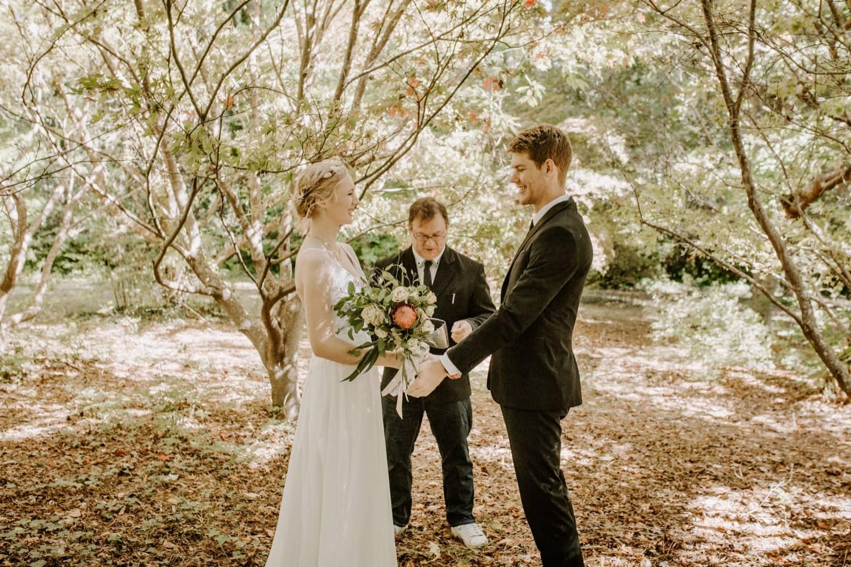 mt-wilson-blue-mountains-elopement-wedding-destination-packages-coronavirus-intimate-outdoor-autumn-fall-laid-back-gardens-hayleyrafton-bride-groom-ceremony