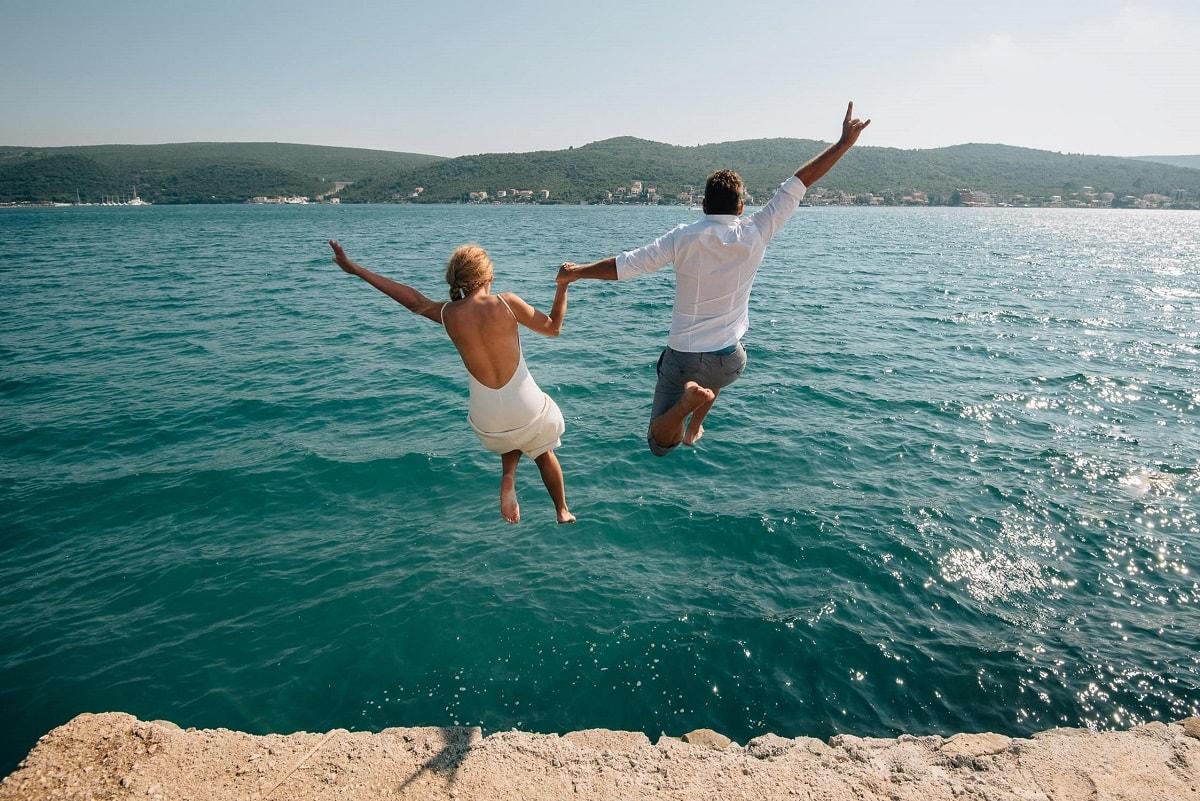 nemanja-dimitric-winery-elopement-wedding-photographer-intimate-destination-small-unique-elope-serbia-belgrade-montenegro-beach-sea-coast-jump