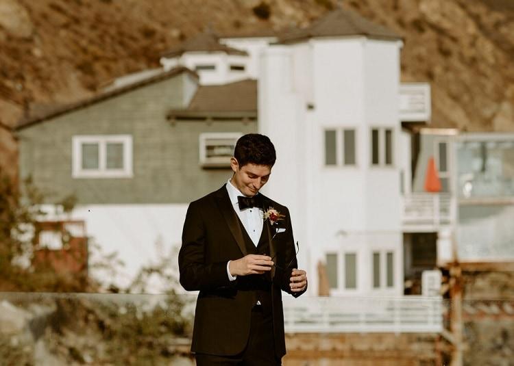 nicole13-jamie-carrie-rogers-photography-malibu-intimate-beach-elopement-california-destination-wedding-outdoor-coast-ceremony-groom