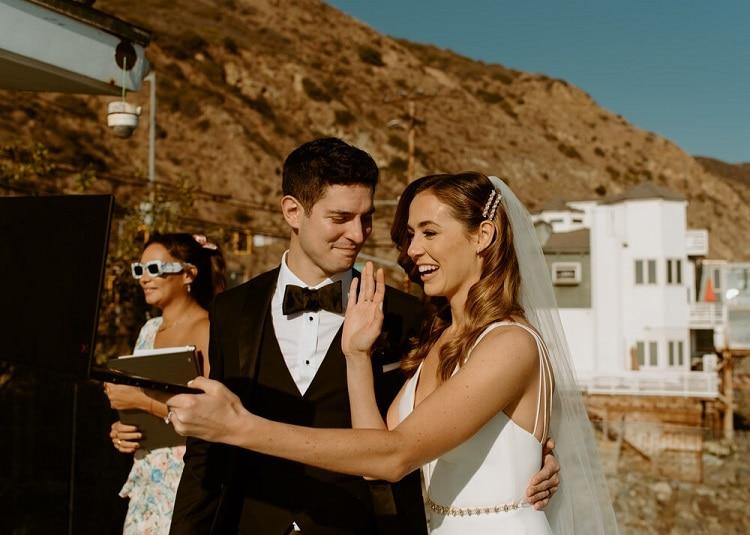 nicole26-jamie-carrie-rogers-photography-malibu-intimate-beach-elopement-california-destination-wedding-coast-ceremony-airbnb