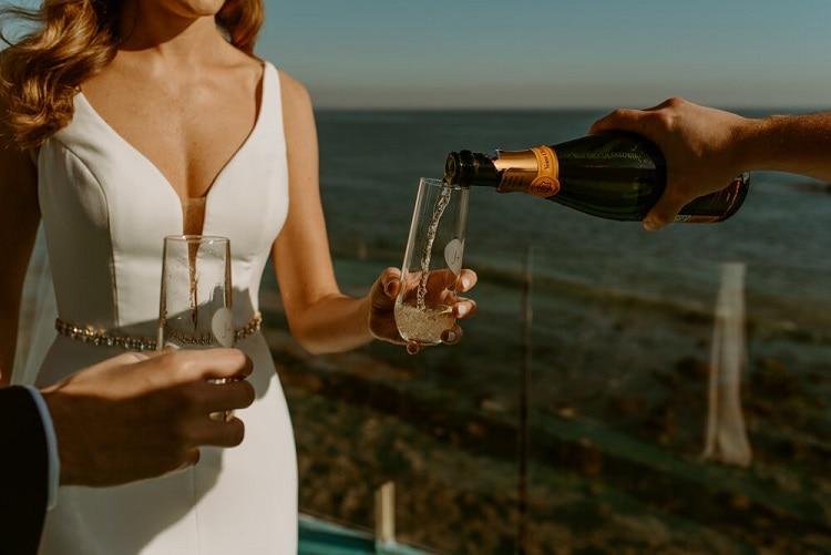 nicole34-jamie-carrie-rogers-photography-malibu-intimate-beach-elopement-california-destination-wedding-coast-ceremony-airbnb