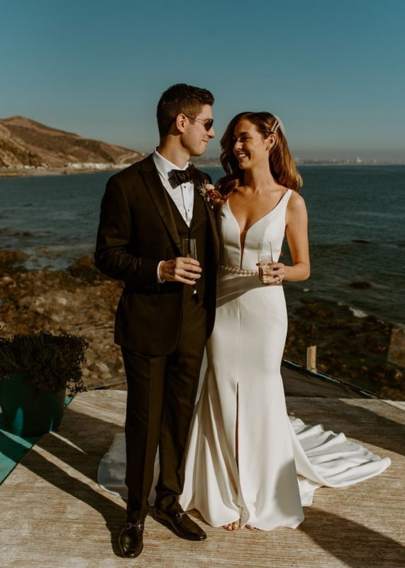 nicole35-jamie-carrie-rogers-photography-malibu-intimate-beach-elopement-california-destination-wedding-coast-ceremony-airbnb