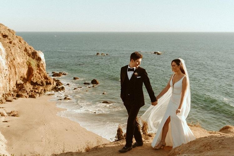 nicole40-jamie-carrie-rogers-photography-malibu-intimate-beach-elopement-california-destination-wedding-coast-ceremony-airbnb