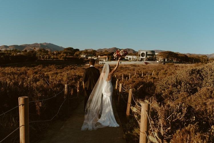 nicole42-jamie-carrie-rogers-photography-malibu-intimate-beach-elopement-california-destination-wedding-coast-ceremony-airbnb