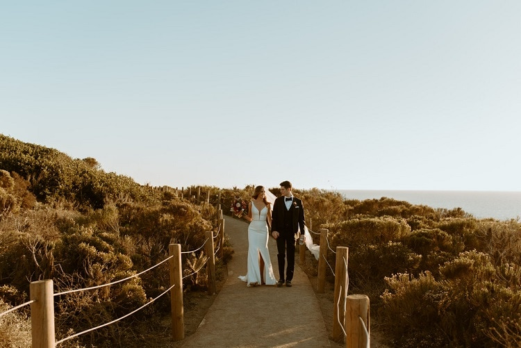 nicole43-jamie-carrie-rogers-photography-malibu-intimate-beach-elopement-california-destination-wedding-coast-ceremony-airbnb